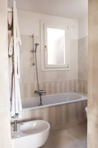 Bathroom Agli Alboretti